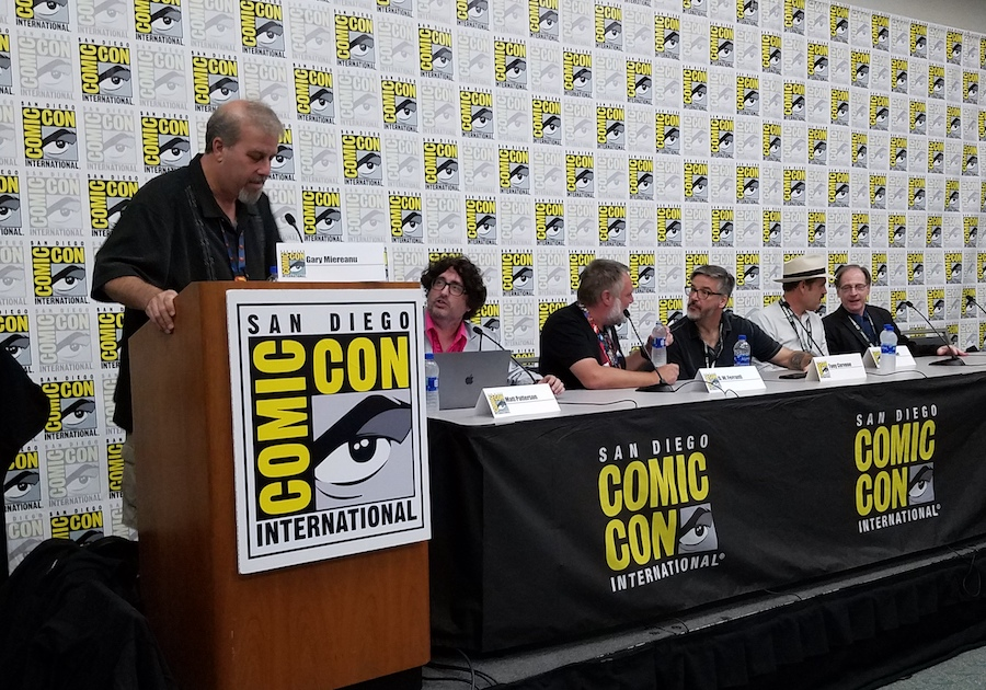 Warner Highlights Classic Cartoons, DTV Titles at Comic-Con