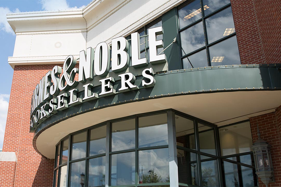 Why Amazon Should Buy Barnes & Noble