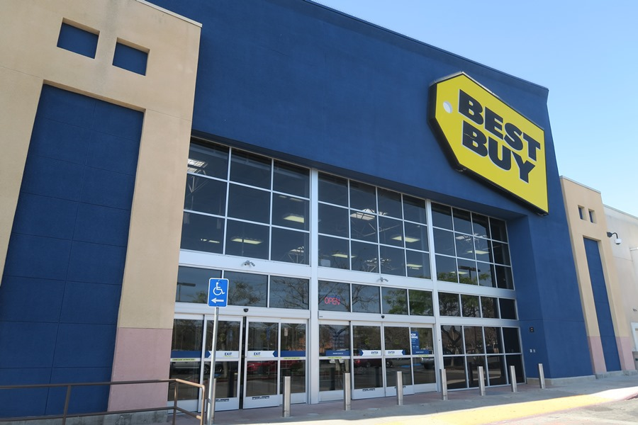 Best Buy Q3 Entertainment Revenue Plummets