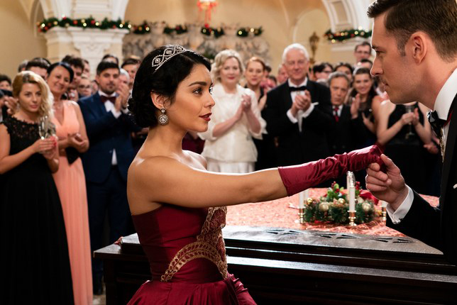 Vanessa Hudgens Plugs New Netflix Holiday Movie on Black Friday