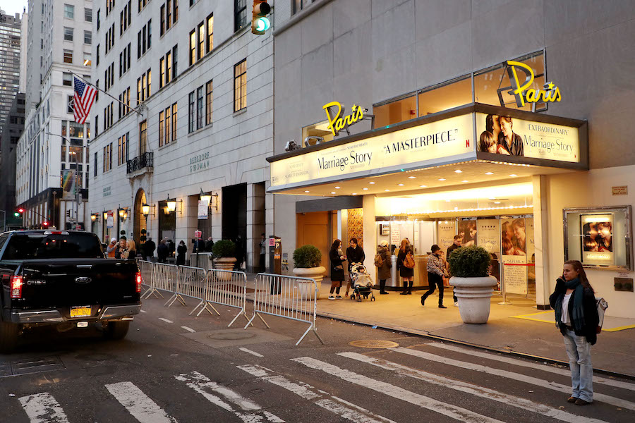 Netflix Signs Lease to Keep Open Iconic New York Theater