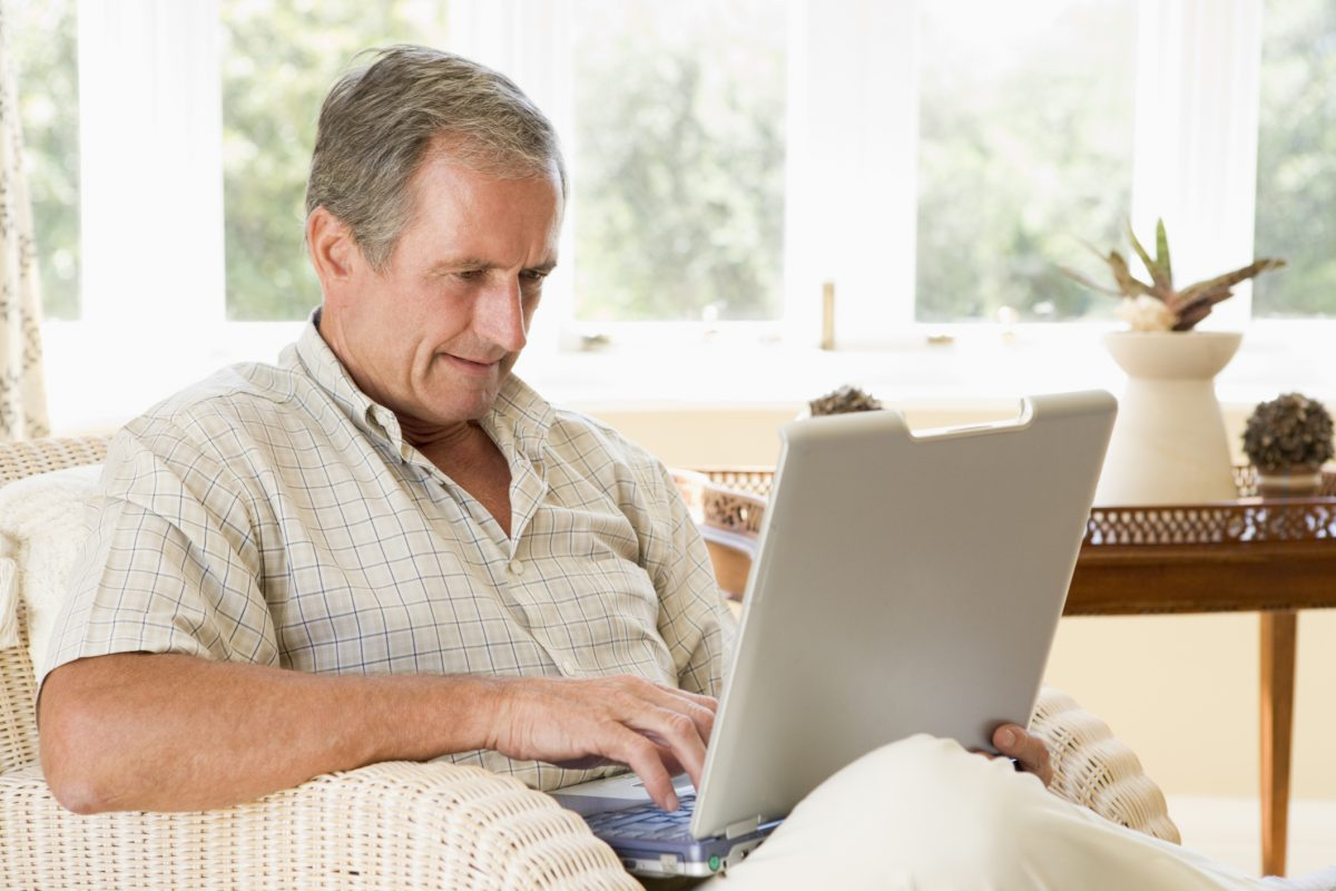 Report: Baby Boomers Slow to Adopt New Technology