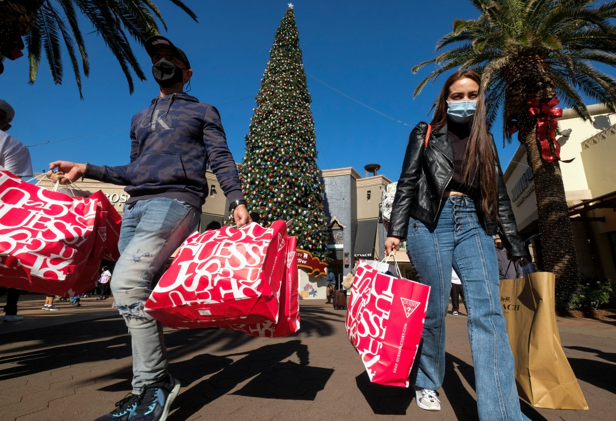 Black Friday Online Sales Soar; Retail Traffic Plummets