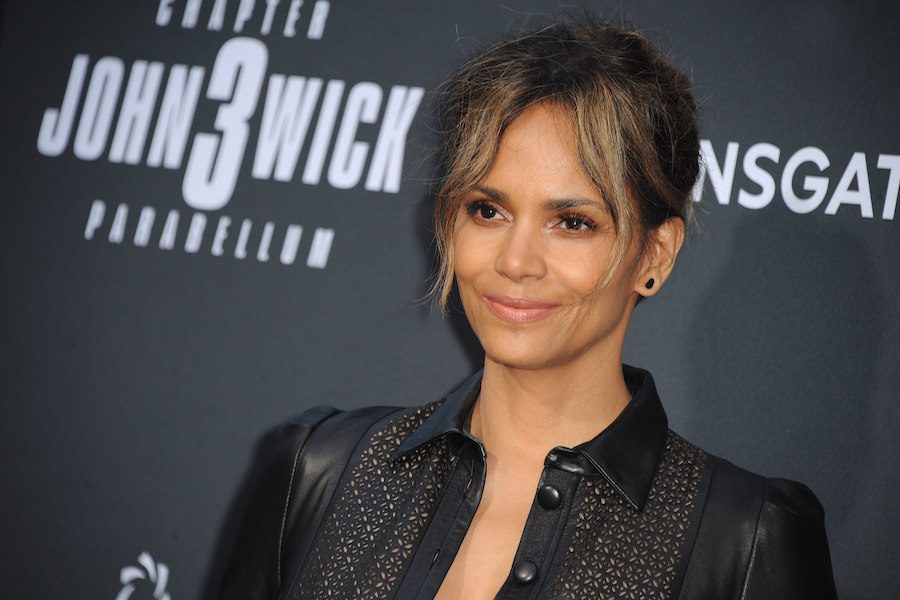 Halle Barry to Star in 'The Mothership' for Netflix