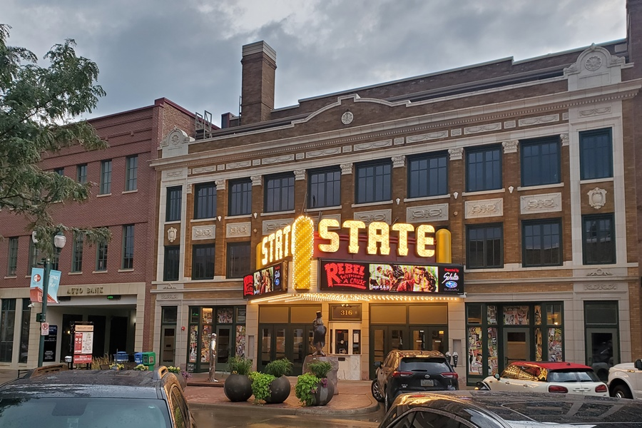 Small-Town Movie Theaters: A Labor of Love